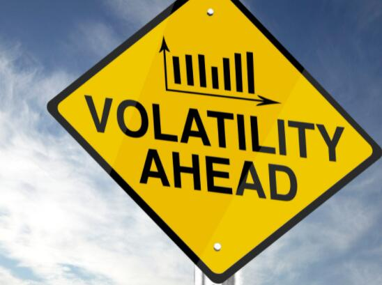 股市波动终于回到大流行前的低点 许多投资者认为这是一帆风顺的迹象