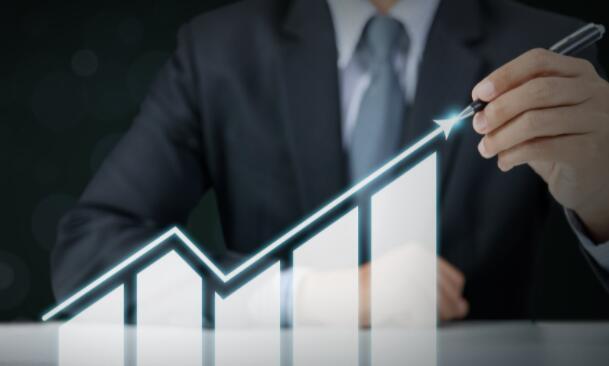 在英伟达最近的股票分拆后短暂回调之后投资者又重新开始抬高这家科技巨头的股票