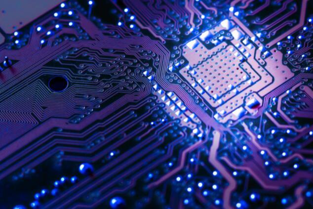 AMD股票本周飙升 强劲的第二季度业绩和更强劲的预测推动这家芯片制造商走高